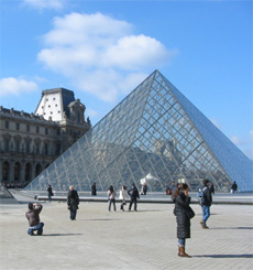 Free Photos of Paris - Louvre Pyramid